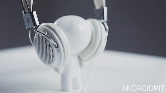 Music_Androidpit_little_white_man_headphones-w628